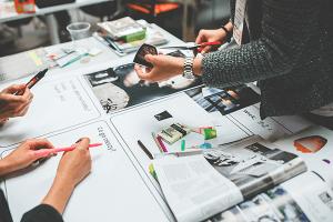 תמונה-ראשית-לעמוד-עיצוב-כרטיסי-ביקור-קרנף-סטודיו-עיצוב-גרפי-עיצוב-ובניית-אתרים-עיצוב-כרטיסי-ביקור-עיצוב-פליירים